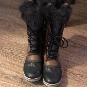 Practically new Sorel Joan of Arctic boots